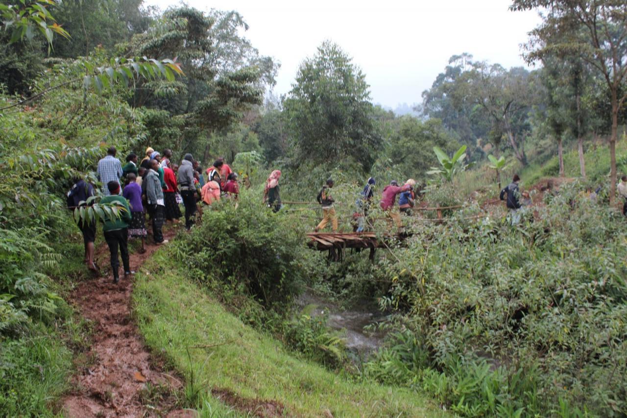 Kenya Cultural Walking Safaris-YHA Kenya Travel