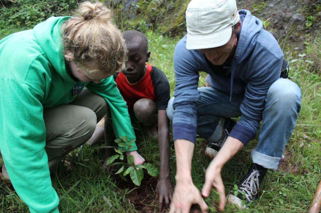 Kenya Cultural Safaris Responsible Tourism-YHA Kenya Travel
