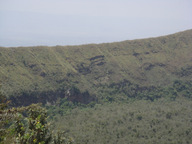 Kenya Adventure Safaris/yha kenya travel/Mt Longonot