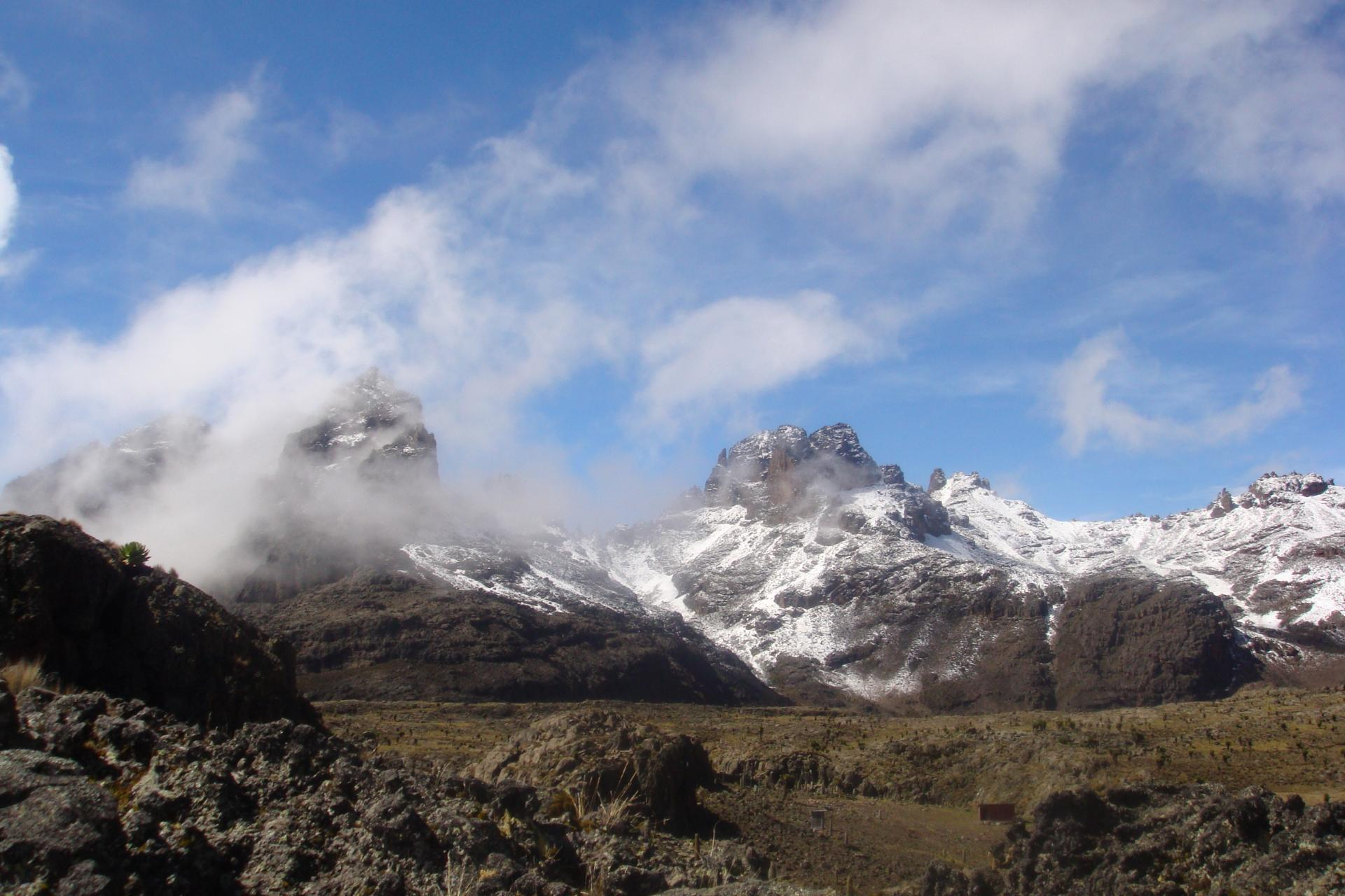 mountaineering packages for adventure trekking mt Kenya