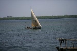 Indian Ocean Mombasa -YHA-Kenya Travel