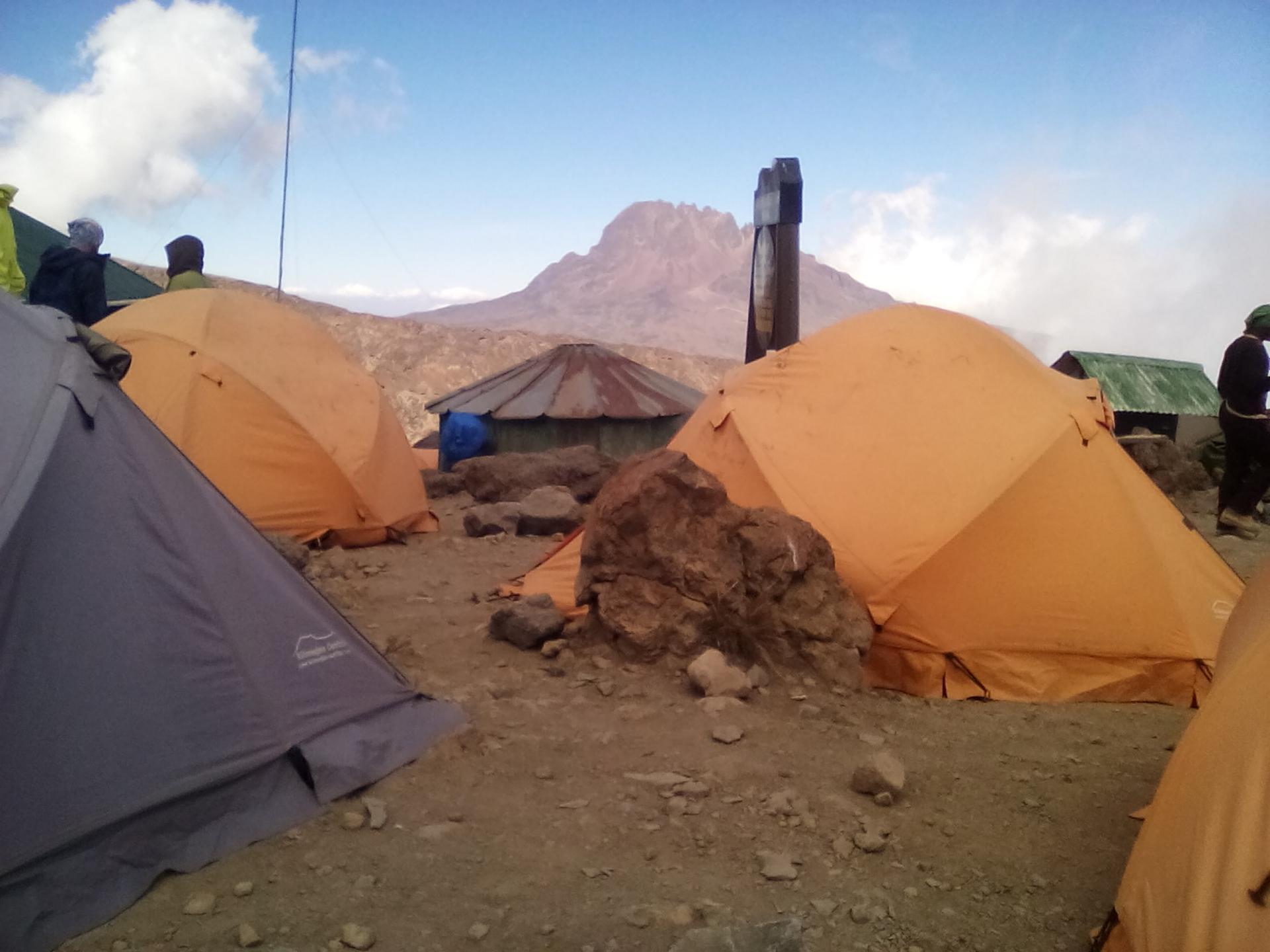 yha kenya travel, kilimanjaro, mountain adventures, climbing Kilimanjaro,climbing mount Kilimanjaro